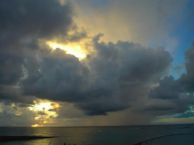 沖縄の夕焼けの写真