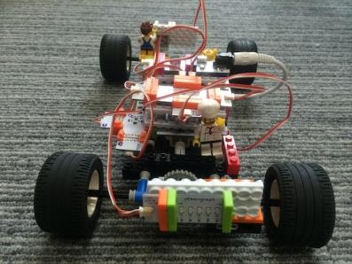 littleBitsとレゴを組み合わせた車